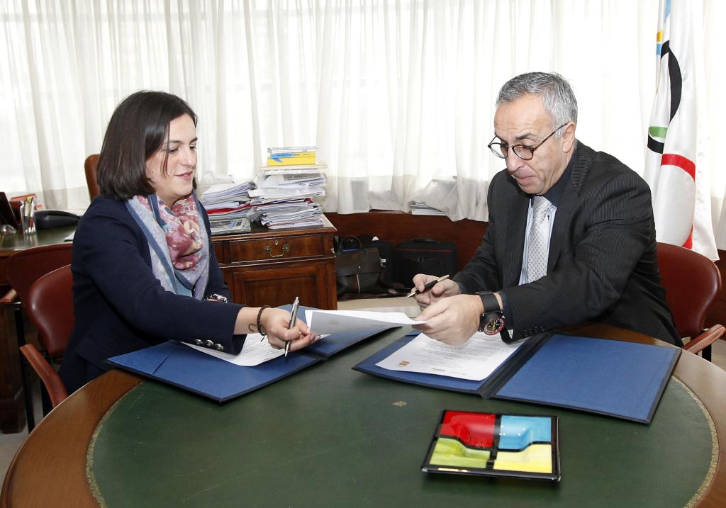 Firma Convenio COE Fundacion Trinidad Alfonso 05