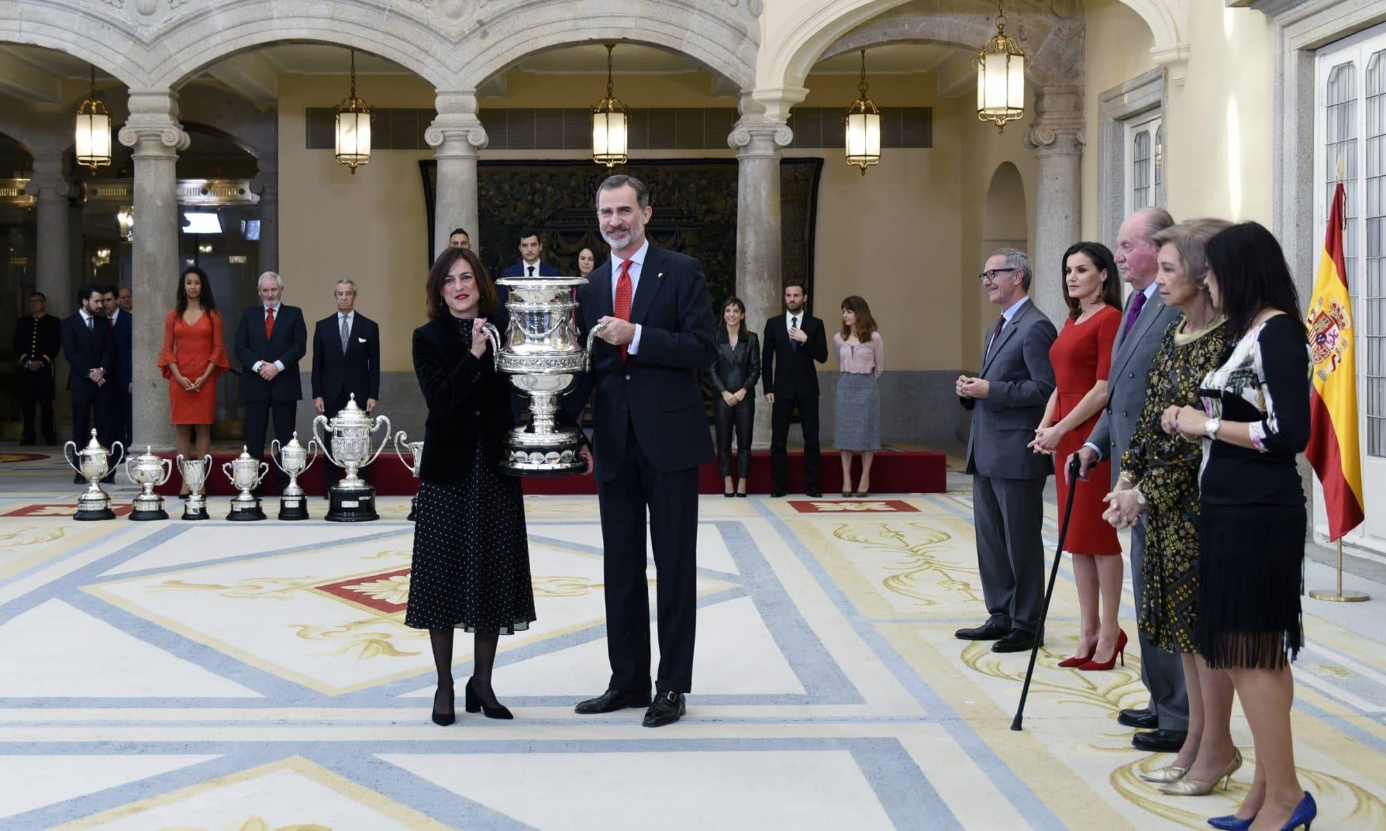 Elena Tejedor recoge Copa Stadium 2017